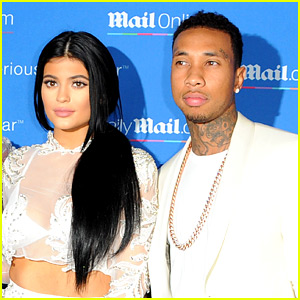 Kylie Jenner Snapchats in Bed with Tyga Amid Split Reports