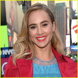 Suki Waterhouse Lands Role in 'Billionaire Boys Club' Movie