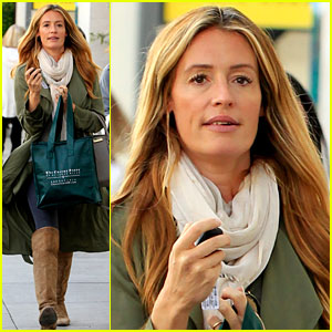 Cat Deeley Bundles Up Her Baby P Braves The Chill