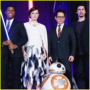 Daisy Ridley, John Boyega & Adam Driver Hit Japan For 'Star Wars: The Force Awakens'!