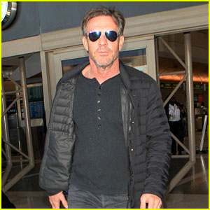 Dennis Quaid Makes a Super Suave Airport Arrival