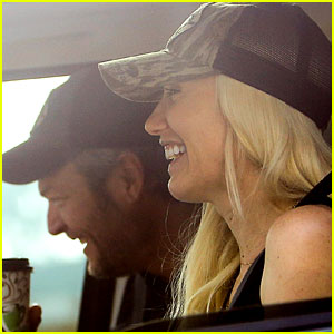 Gwen Stefani & Blake Shelton Share Cute Laughs in the Car!