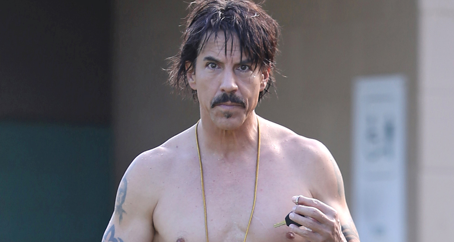 Red Hot Chili Peppers' Anthony Kiedis Goes Shirtless In ...