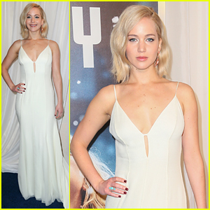 Jennifer Lawrence Looks Angelic in White for 'Joy' Premiere