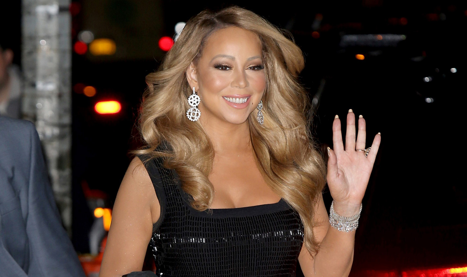 Mariah Carey Just Wrote a Brand New Christmas Song ... Mariah Carey Songs