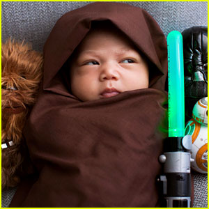 Mark Zuckerberg Dresses Daughter Max in 'Star Wars' Costume!