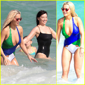 Rita Ora Shows Off Lots of Skin in Her Swimsuit!
