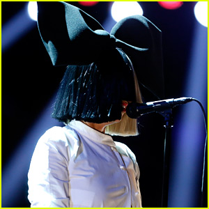 Sia Flawlessly Shows Off Her 'Voice' with Her Song 'Alive'