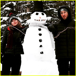 Taylor Swift & Calvin Harris Kick Off Christmas Celebrations By Building a Snowman!
