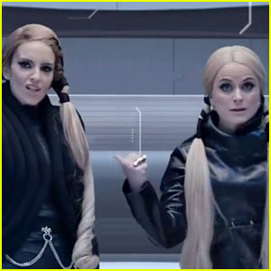 Tina Fey & Amy Poehler Spoof Taylor Swift's Squad with 'Bad Blood' Parody Video!