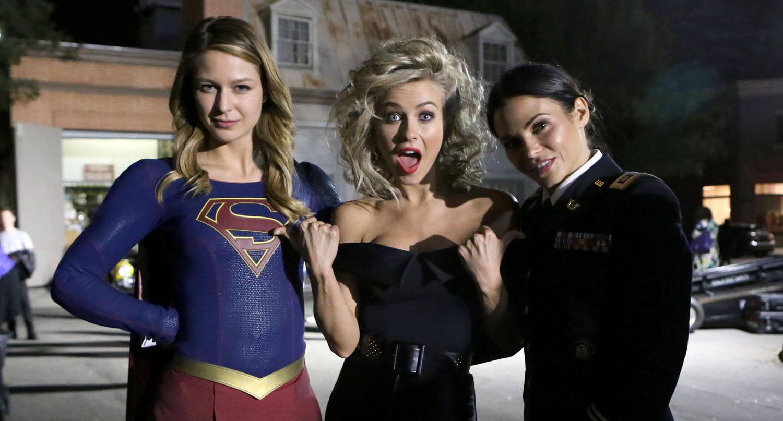 supergirl s melissa benoist amp jenna dewan visit grease live