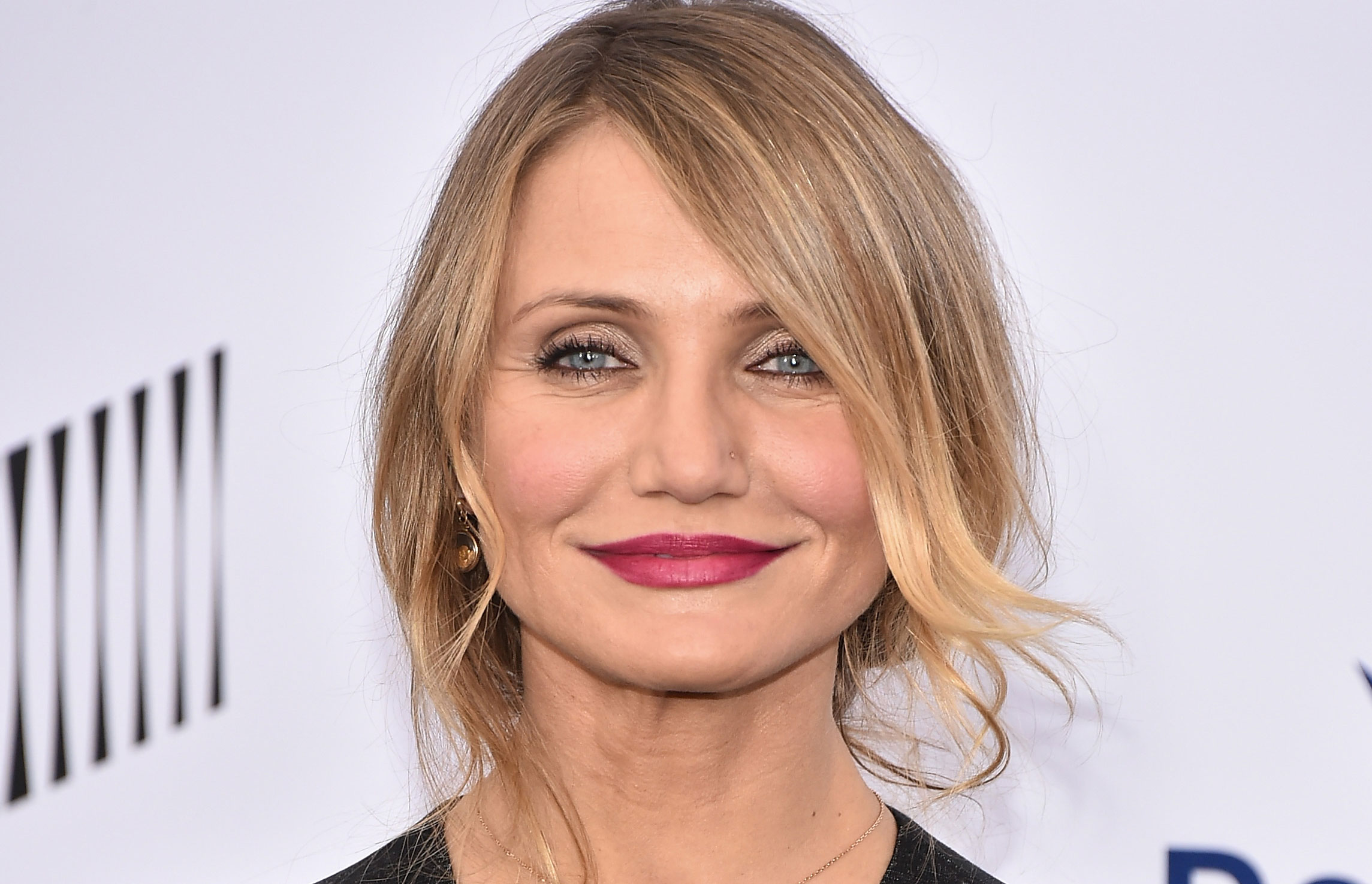 Cameron Diaz Looks Fresh Faced On Her New Book Cover Cameron Diaz Just Jared