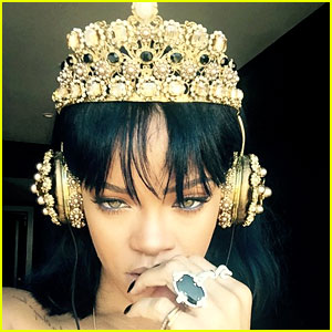 Rihanna Teases Fans By Revealing She's Listening to 'Anti'