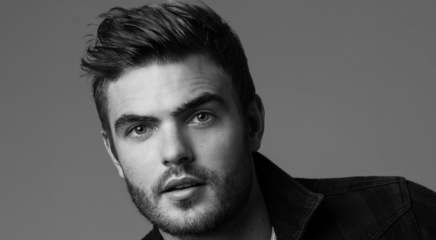 jared robinson actor wiki net the 5th wave u0027s alex roe talks filming his own stunts his celeb