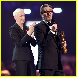 Annie Lennox & Gary Oldman Give Emotional David Bowie Tribute at BRIT Awards 2016