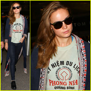 Brie Larson Arrives in Los Angeles Ahead of Oscars 2016
