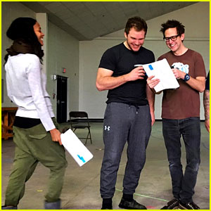 Chris Pratt & Zoe Saldana Start Work on 'Guardians 2'