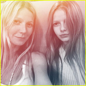 Gwyneth Paltrow Sits with Her Kids & Blue Ivy Carter at Super Bowl 50 (Photos)