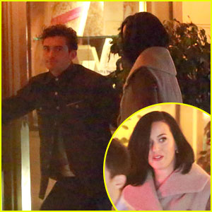 Katy Perry & Orlando Bloom Hold Hands on Date Night!