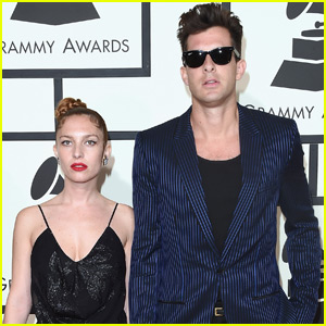 Mark Ronson & Joséphine de La Baume Rock the Grammys 2016 Carpet