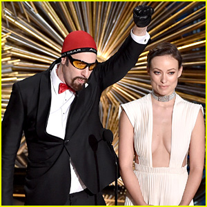 Sacha Baron Cohen's Ali G Was Banned From Oscars 2016, Snuck Costume In with Isla Fisher!