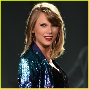 Taylor Swift Wins First Grammy of the Night, Reacts on Twitter!