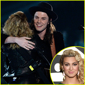 Tori Kelly Looks Like a Green Goddess at Grammys 2016!