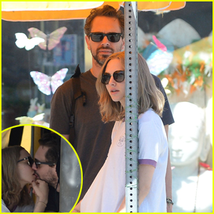 Amanda Seyfried Kisses Boyfriend Thomas Sadoski at Lunch!