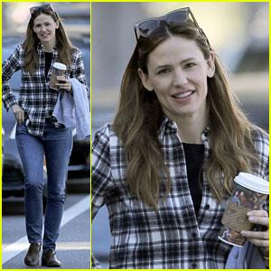 Jennifer Garner 'Sets Such a Good Example' for Ben Affleck