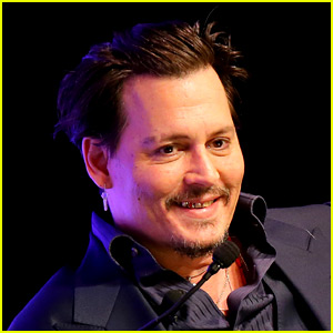 Johnny Depp & Michelle Pfeiffer: 'Dark Shadows' Premiere!: Photo ...