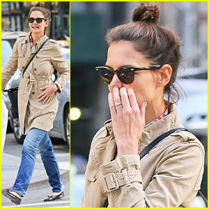 Katie Holmes Flashes Diamond Ring, Fuels Engagement Rumors Yet Again