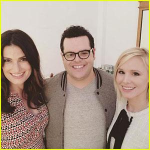 Kristen Bell & Idina Menzel Perform at 'Frozen' Reunion with Josh Gad