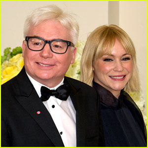 Mike Myers Debuts New Gray Hair at the White House