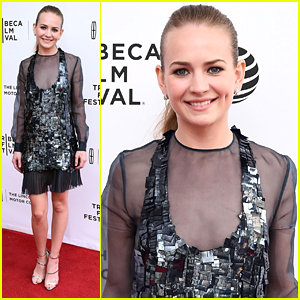 Britt Robertson Shines On Red Carpet At Tribeca Premiere of 'Mr. Church'