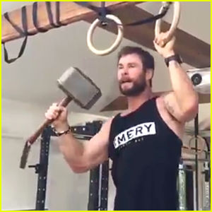 Chris Hemsworth Disses 'Captain America' While Doing Pull-Ups - Watch Now!