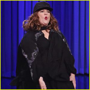 Melissa McCarthy Lip Sync Battles Jimmy Fallon & Sings 'Pocahontas' - Watch Now