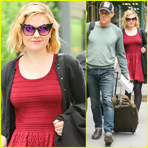 Anna Paquin Smiles While Leaving NYC Hotel with Husband Stephen Moyer
