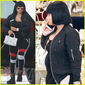 Blac Chyna Shows Off Baby Bump While Shoe Shopping