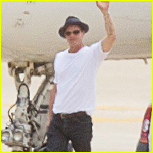Brad Pitt Waves Goodbye Before Hopping on a Private Plane