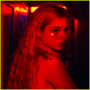 Elle Fanning Is Otherworldly in New 'Neon Demon' Images (Exclusive)