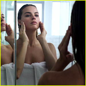 Margot Robbie Spoofs 'American Psycho' for New 'Vogue' Video