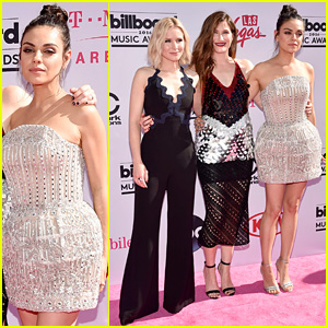 Bad Moms' Mila Kunis, Kristen Bell, & Kathryn Hahn Arrive for Billboard Music Awards 2016
