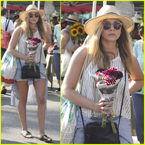 Elizabeth Olsen Goes Boho Chic at the Farmers Market!