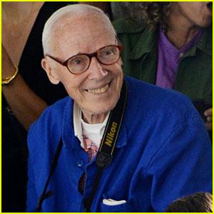 Bill Cunningham Dead - Fashion Photographer Dies at 87