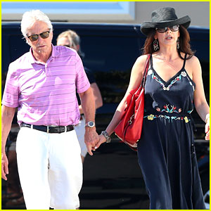 Catherine Zeta-Jones & Michael Douglas Vacation in the French Riviera!