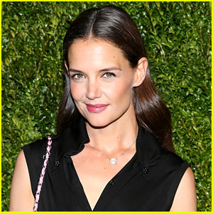 Katie Holmes Shares New Photo of Her Daughter Suri Cruise!: Photo ...