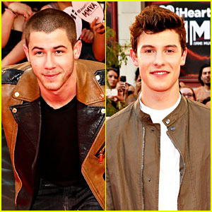 Nick Jonas & Shawn Mendes Hit the MuchMusic Video Awards 2016