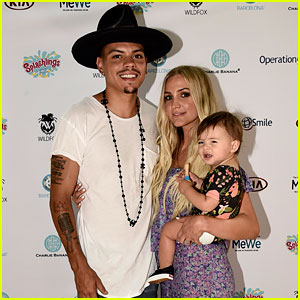 Ashlee Simpson & Evan Ross Celebrate Jagger's First Birthday at Mommy & Me Beach Day!