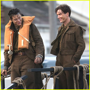 Harry Styles & Cillian Murphy Chat During Downtime on 'Dunkirk'