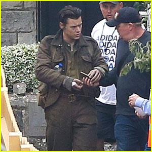Harry Styles Wears Arm Bandage on 'Dunkirk' Film Set